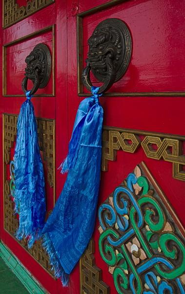Bunte Eingangangstür zum Tempel in Ulan Ude